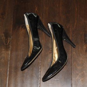 Tahari Black Leather Snake Skin Pumps
